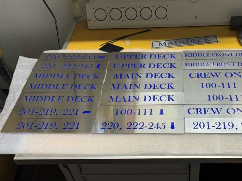 Реставрация информационных табличек для корабля