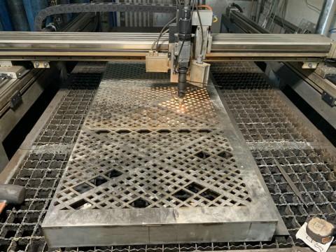 Исправление деталей из нержавеющей стали после выполненной гидроабразивной резки