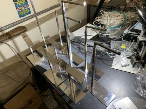 Изготовление декоративных подставок и вешалок из нержавеющей стали