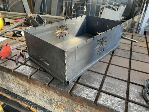 Изготовление мангала из жаропрочной стали с декоративными элементами под заказ