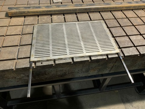 Изготовление решетки для барбекю из нержавеющей стали толщиной 6мм в специализированной компании LaserCWM