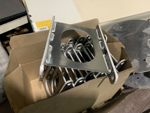Изготовление специальных кронштейнов из алюминия. Инжиниринговые услуги
