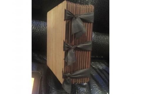 Подарочный альбом с нанесением лазерной гравировки с кожаным переплетом