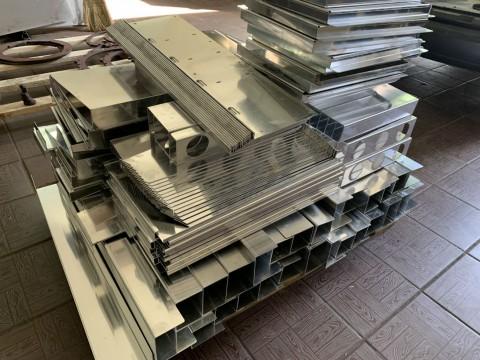 Лазерная резка и гибка изделий из алюминия толщиной 2 мм в специализированной киевской компании LaserCWM