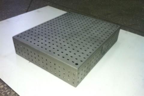 Ящик для стерилизации медицинского инструмента вид сбоку
