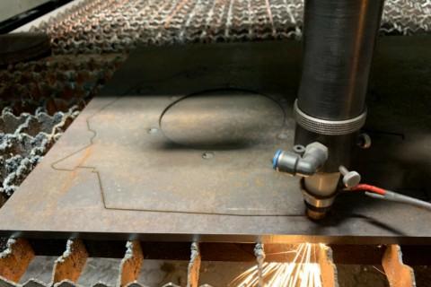 Лазерная резка фланцев из нержавеющей стали толщиной 12 мм на заказ