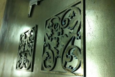 Лазерная резка декоративных панелей из стали