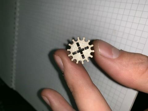 Изготовление мелких шестеренок из нержавеющей стали толщиной 3мм в специализированной киевской компании LaserCWM