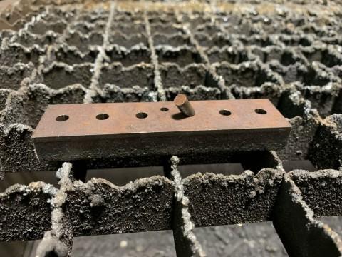 Лазерная резка металлических кронштейнов из стали марки 09Г2С толщиной 12мм
