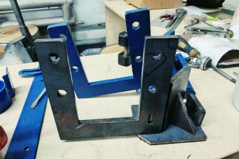 Изготовление кронштейнов из стали марки СТ3 толщиной 10 мм с применением лазерной технологии