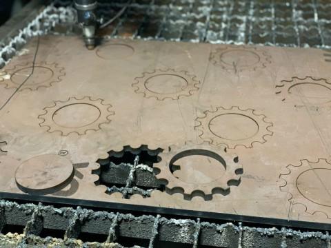 Лазерная обработка стали марки СТ3 толщиной 10мм для изготовления шестерни