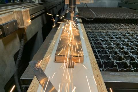 Лазерная сварка тонкостенных конструкций больших габаритов из нержавеющей стали-12-12-2018