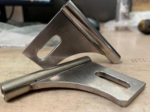 Лазерная сварка деталей (пластина к трубке стенкой 1мм) из нержавеющей стали