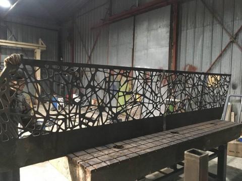 Контурная резка листового металлопроката для изготовления перил на лестницу