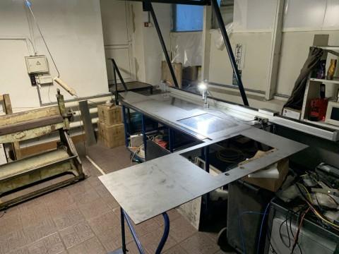 Изготовление поверхности рабочей кухни из нержавеющей стали